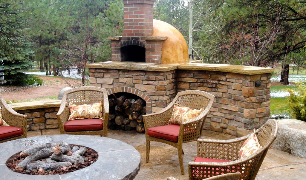 Beautiful Landscaping Firepit Patio Pizza Oven